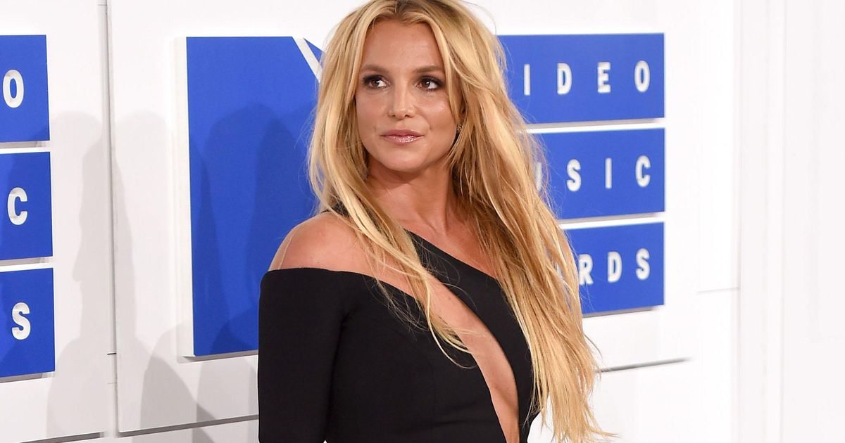 Britney Spears formally accepts custodial termination    stars