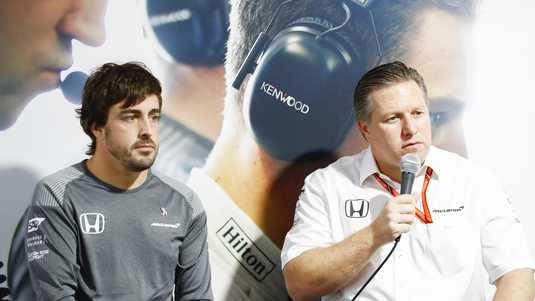 Fernando Alonso en Zak Brown
