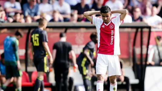 Ajax-talent Naci Unuvar baalt.