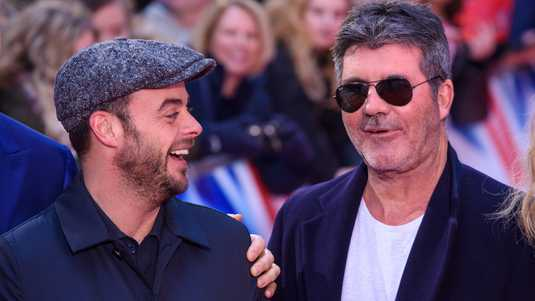 Anthony McPartlin en Simon Cowell begin dit jaar bij tv-opnames voor Britain's Got Talent in Londen