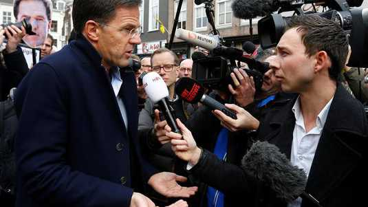 Mark Rutte werd zaterdagmiddag in Breda belaagd door nationale- en internationale pers.