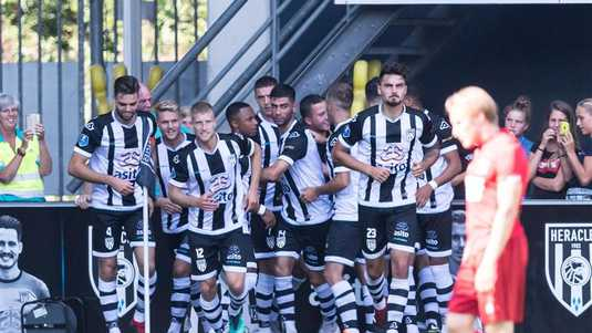 Heracles viert feest.