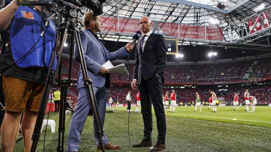 Ajax-trainer Erik ten Hag in gesprek met FOX Sports.