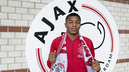 David Neres is in Amsterdam.