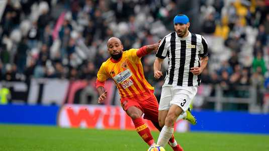 Samuel Armenteros (links) in het shirt van Benevento